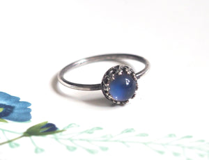 Small Crown Mood Ring in Antiqued Sterling Silver with Color Changing Stone