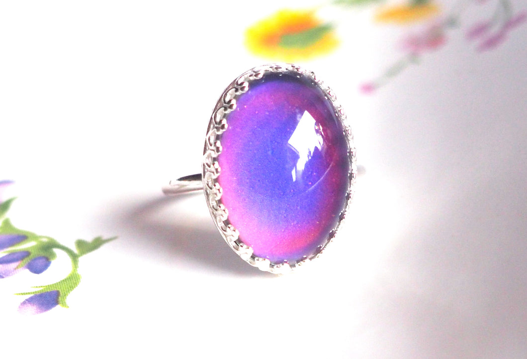 Crown Mood Ring in Sterling Silver with Color Changing Stone