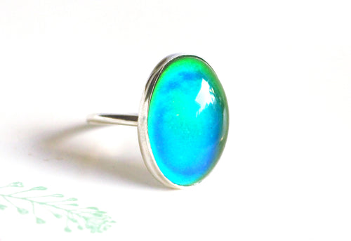 Mood Ring in Sterling Silver with Color Changing Stone