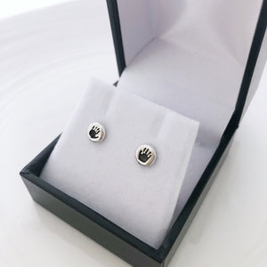peite prints stud earrings made in sterling silver