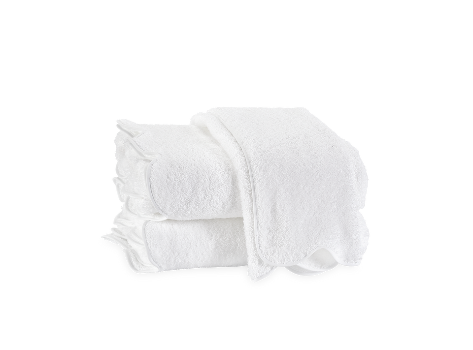 Cairo Luxury Bath Sheet with Scalloped Piping
