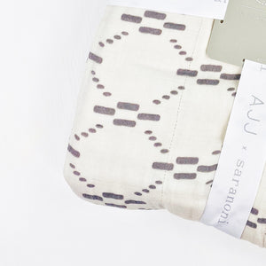 XL  Luxury Muslin Quilt by Saranoni