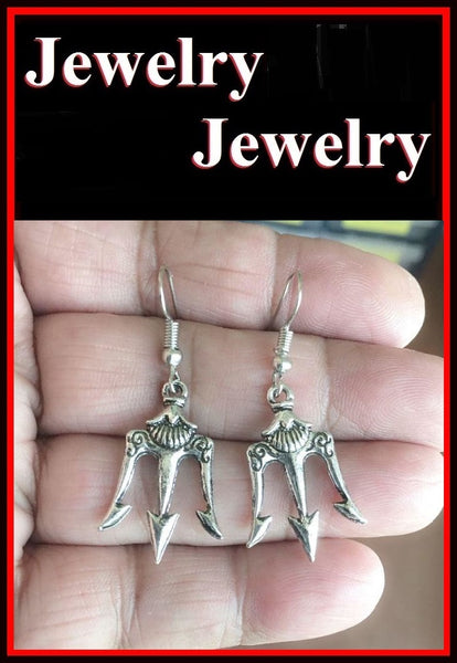 Antique Silver DEVIL's PITCH FORK Trident Dangle Drop Charms Earrings.