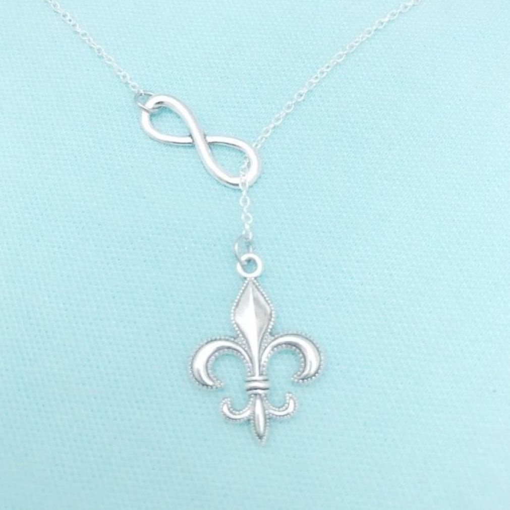 MODERN n TRENDY: French Fleur de Lis Necklace Lariat Style.
