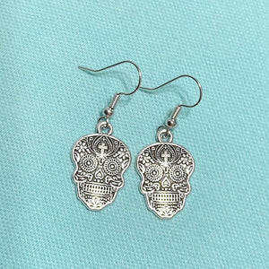 DAY OF THE DEAD; Beautiful SUGAR SKULL Silver Dangle Earrings.