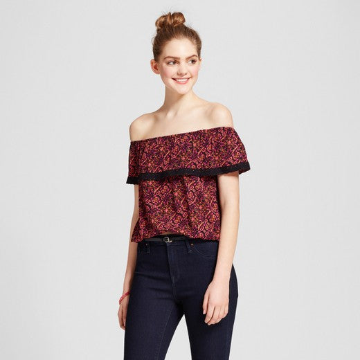 "<img src=""Mossimo.jpg"" alt=""Women Clothing"" title=""off the shoulder cinch top""  / >"