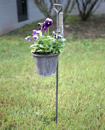 Spade Garden Stake Planter with Rain Gauge Set of Two