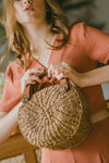 ANYA ABACA ROUNDIE BAG (BROWN NATURAL)