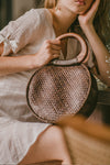 MALIKA MEDIUM ROUND WEAVE BAG (BROWN)