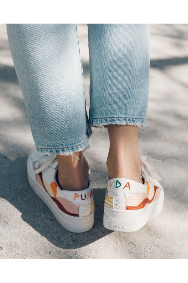 Load image into Gallery viewer, Hawaiin Fauna Platform Sneakers - HEMLINE
