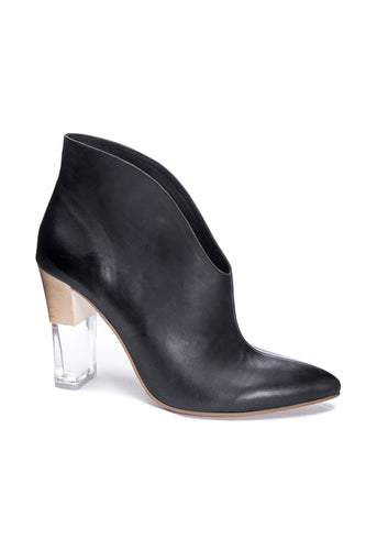 Kisses Fine Leather Bootie in Black - HEMLINE