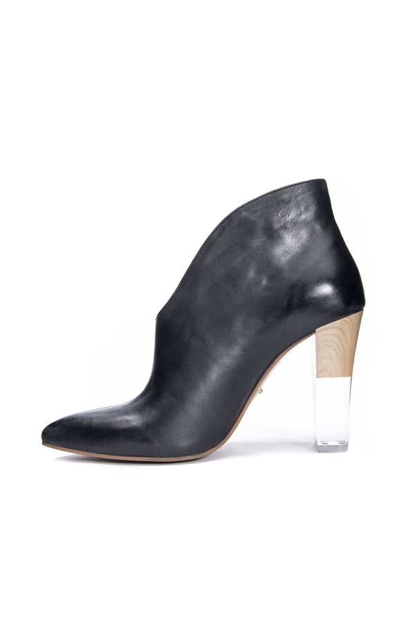 Kisses Fine Leather Bootie in Black