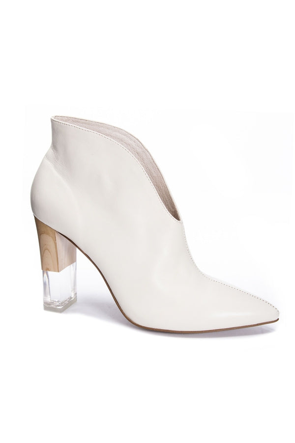 Kisses Fine Leather Bootie in Ecru - HEMLINE