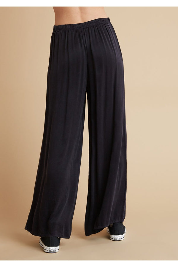 High Waist Flowy Pant in Black