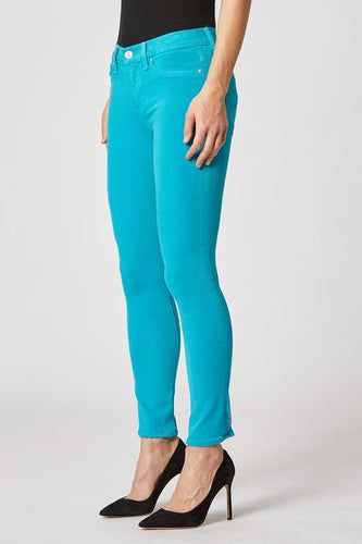 Nico Mid-Rise Skinny Crop Jean in Blue Daisy