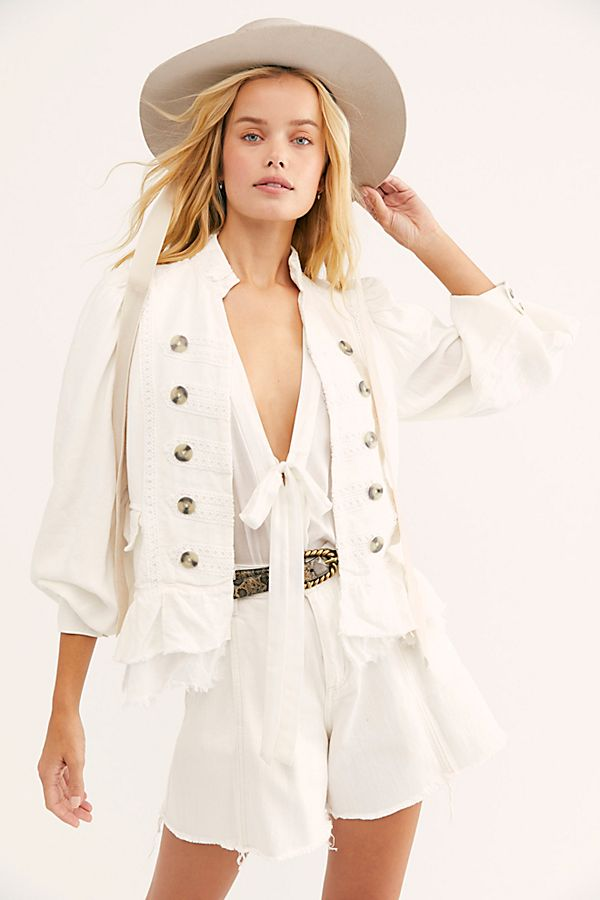 Ariana Jacket in White - HEMLINE