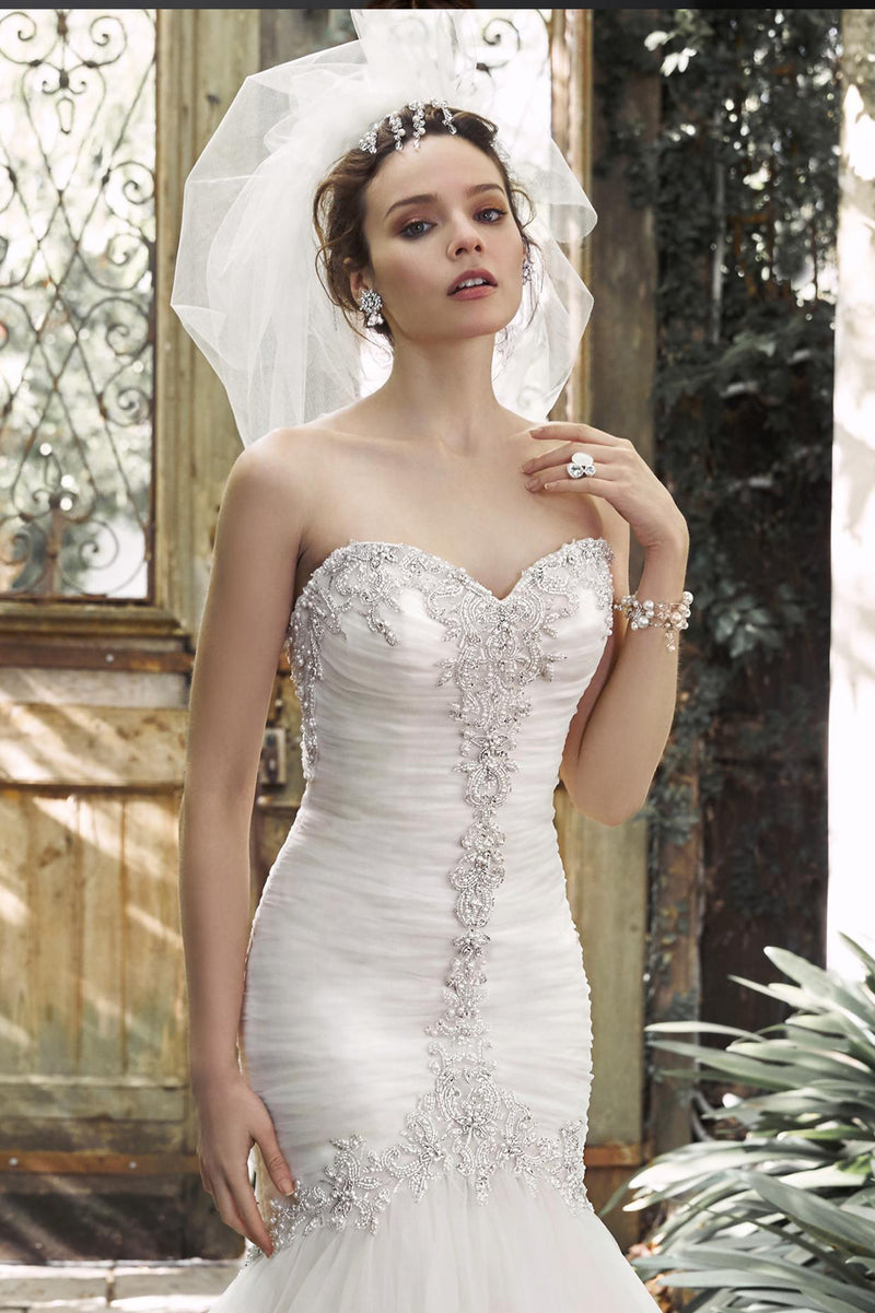 products/Mermaid_Wedding_Dress_2.jpg