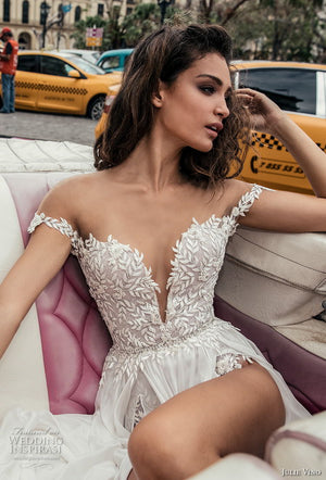 Novia Lace Beach Bridal Dress