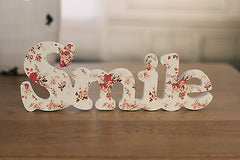 SMILE Floral Print Sign Home Decor Gift 23cms BRAND NEW