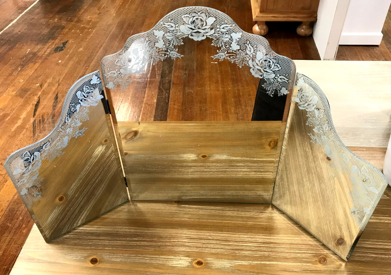 Wing Mirror 57cms Lace Featured