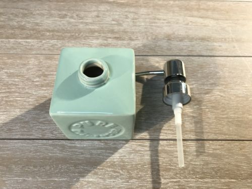 2 x Soap Pump Dispensers Ceramic French Provincial Green Savon Bathroom