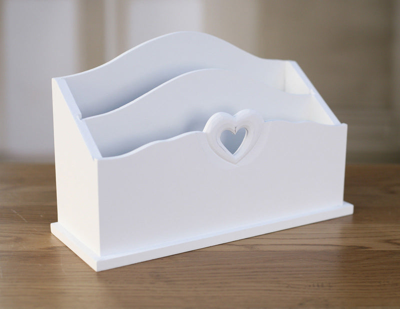 Mail Holder Heart Organisation Rack 28cms