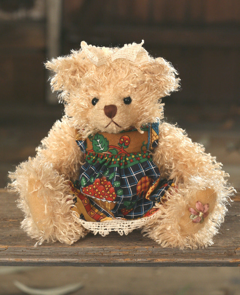 Teddy Bear 'Chrissie' Settler Bears Handmade Dress Collectable Gift 20cms NEW