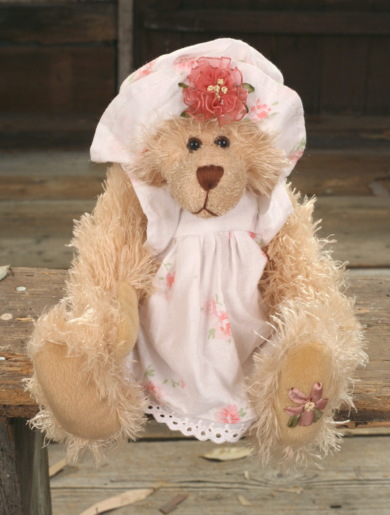 Teddy Bear 'Cher' Settler Bears Handmade Dress Collectable Gift 25cms BRAND NEW