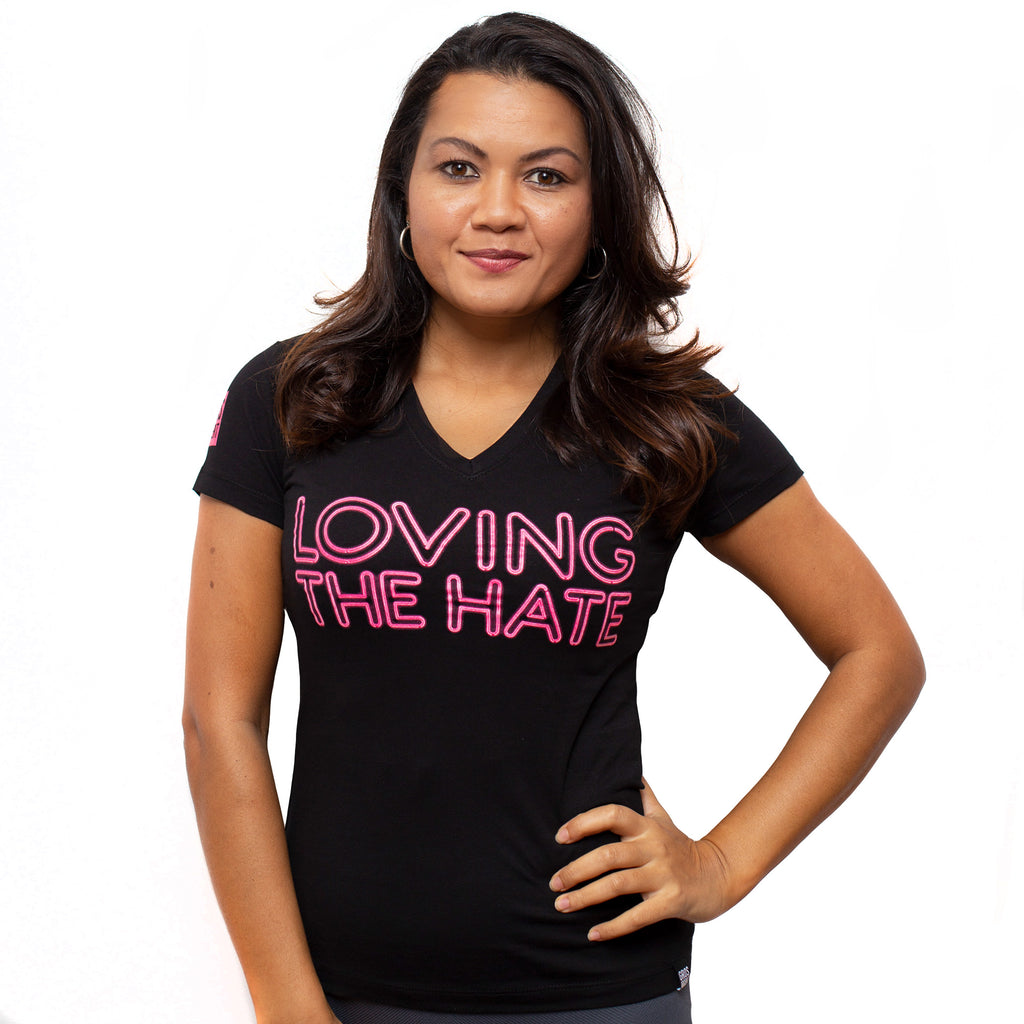 T-shirt Loving The Hate Femme