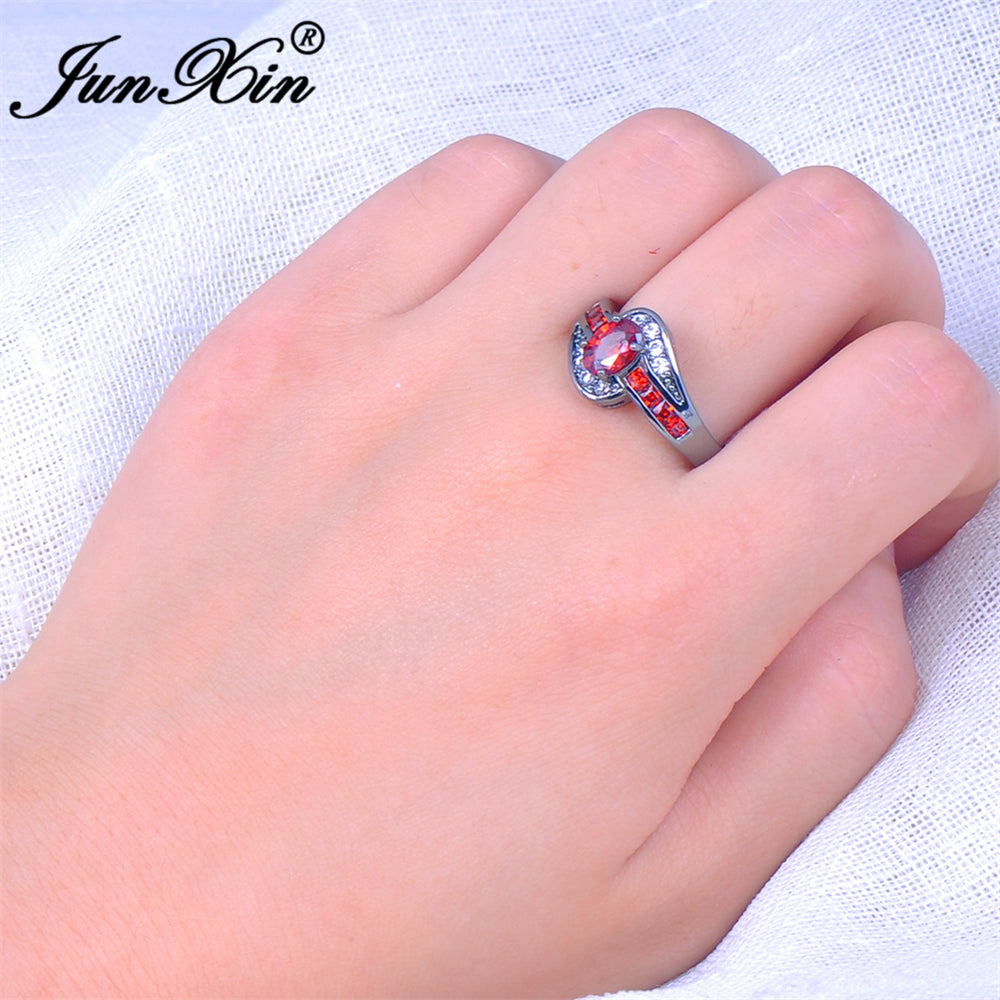 Red Oval Fashion Ring – That Looks Pretty