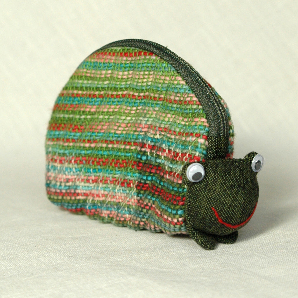 googley eyed frog purse