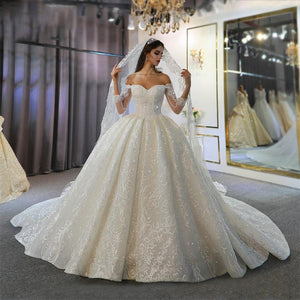 Women's Sweetheart Long Sleeve Sweep Train Lace Wedding Dress