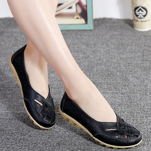 Women's Round Toe Leather Slit Patchwork Flat Slip-On Casual Shoes