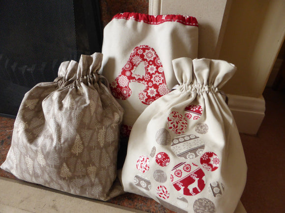 Christmas Gift Bags - 2 weeks from Thursday 5th December 7.30pm-10pm