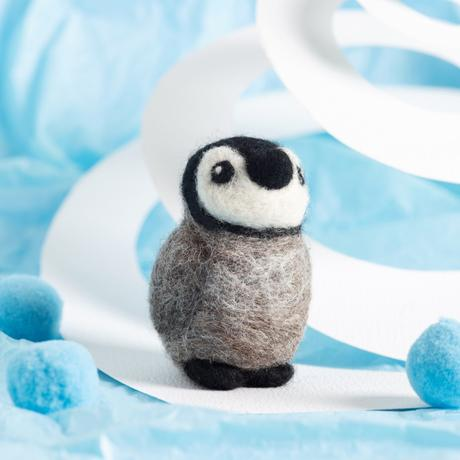 Hawthorn Handmade Needle Felting Kit - Mini - Baby Penguin