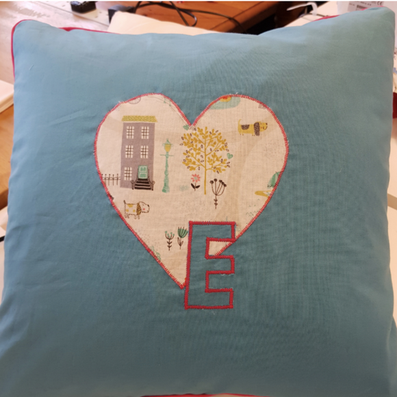 Appliqued, Zipped & Piped Cushion Wed 16th June 7pm (3 weeks)