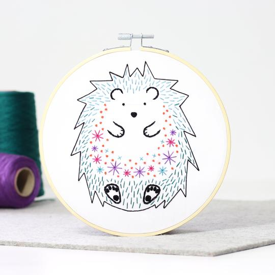 Hawthorn Handmade Embroidery Kit - Hedgehog