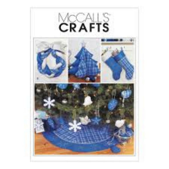 McCalls M3777 - Christmas Tree Skirt, Wreath, Stockings & Small Tree