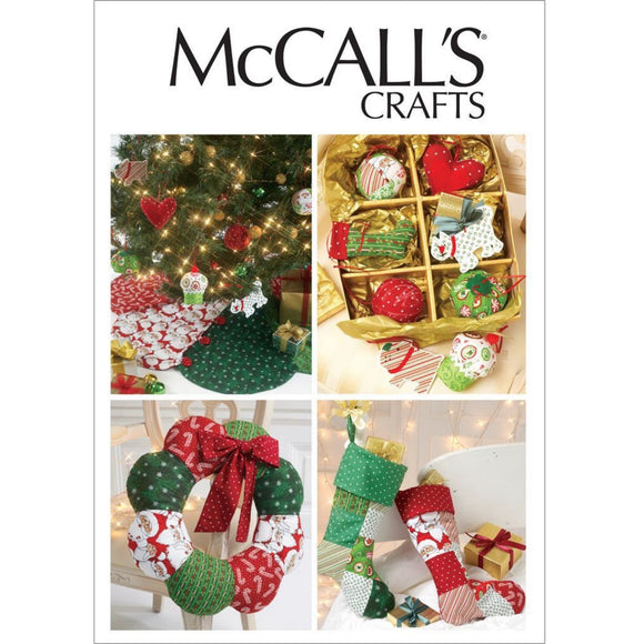 McCalls M6453 - Christmas Tree Skirt, Wreath, Stockings & Tree Decs