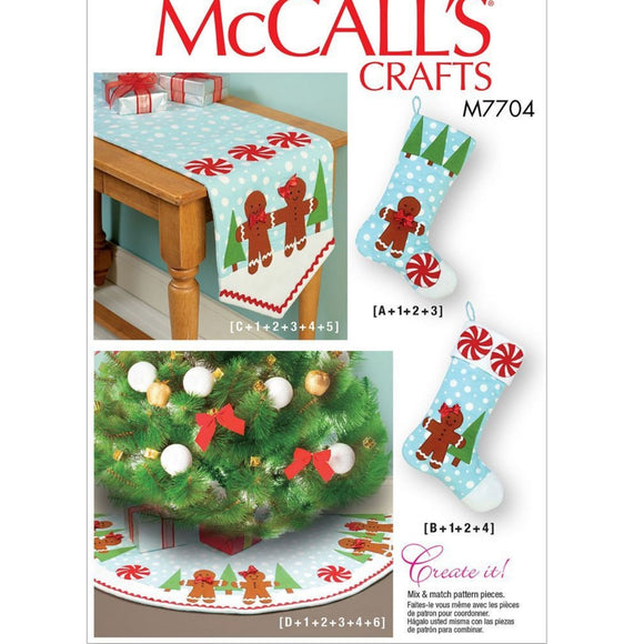 McCalls M7704 - Christmas Tree Skirt, Table Runner & Stockings