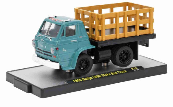 Dodge L600 Stake Bed Truck 1966 Auto-trucks 1:64 M2 Machines Miniature Figure