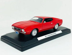 Original Miniature Car Ford Mustang Sportsroof (1971) Red 1:24 Motor Max
