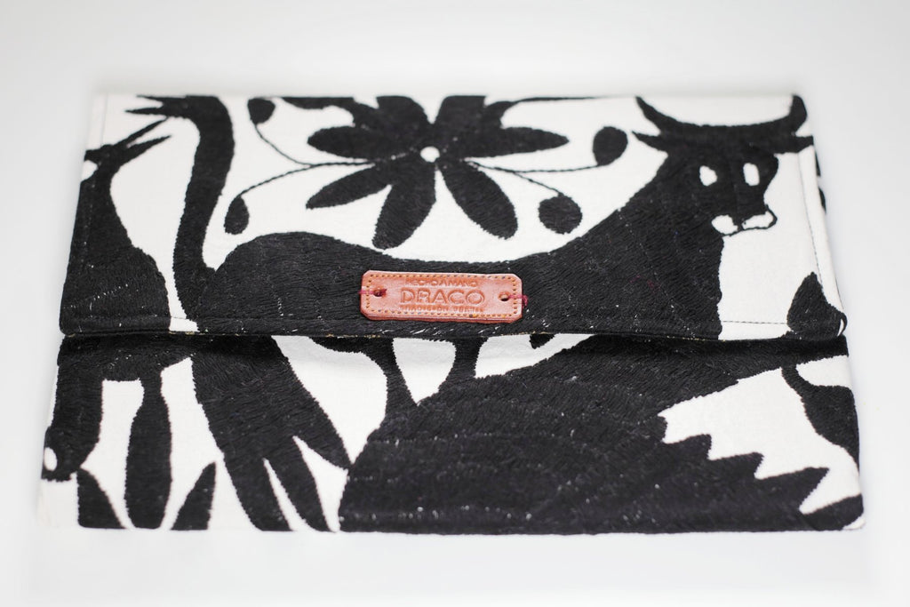 Otomi clutch. Handmade and fair trade. Rättvis handel. Etiska presenter. Handgjorda i Mexiko.