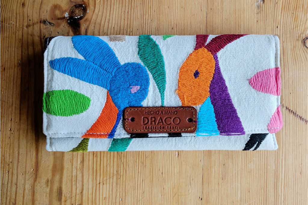 Colour clutch bag. Mexican fair trade handicraft. Rättvis handel. Mexikanska hantverk