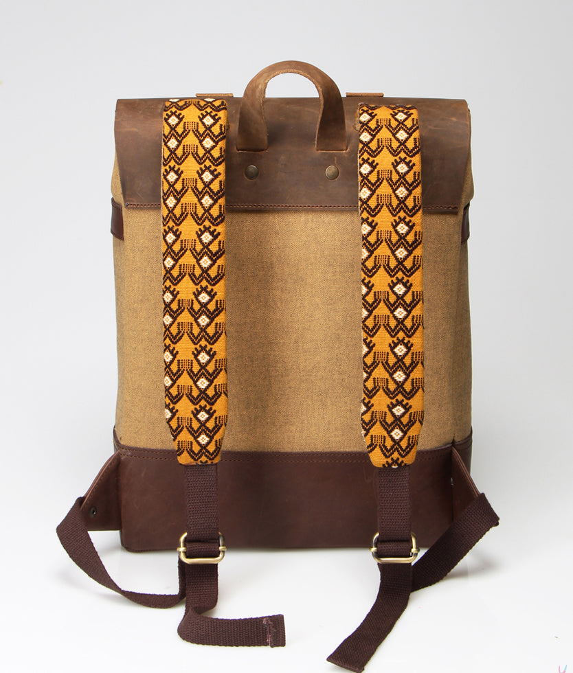 Trendy backpack. Handmade in leather. Fair trade ryggsäck, rättvis handel, mexikanskt hantverk
