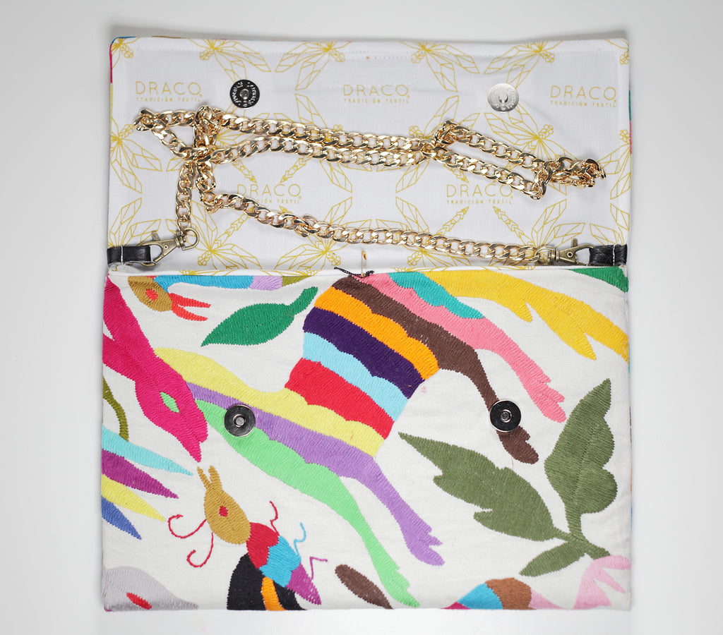 Colourful Otomi clutch bag. Handmade by artisans. Rättvis handel. 100% Handgjorda i Mexico.