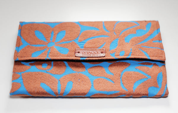 Clutch bags from Jalapa de diaz. Handmade by artisans. Fair trade. rättvis handel. 100% Handgjorda i Mexico.