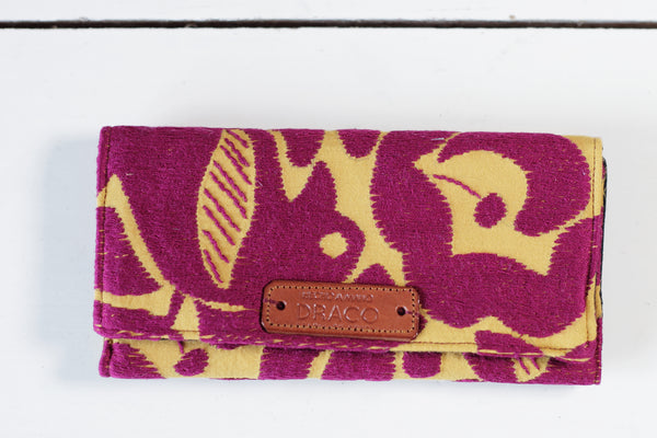 Colourful handmade women wallet. Fair trade. Ethical gifts. Made in Mexico by artisans