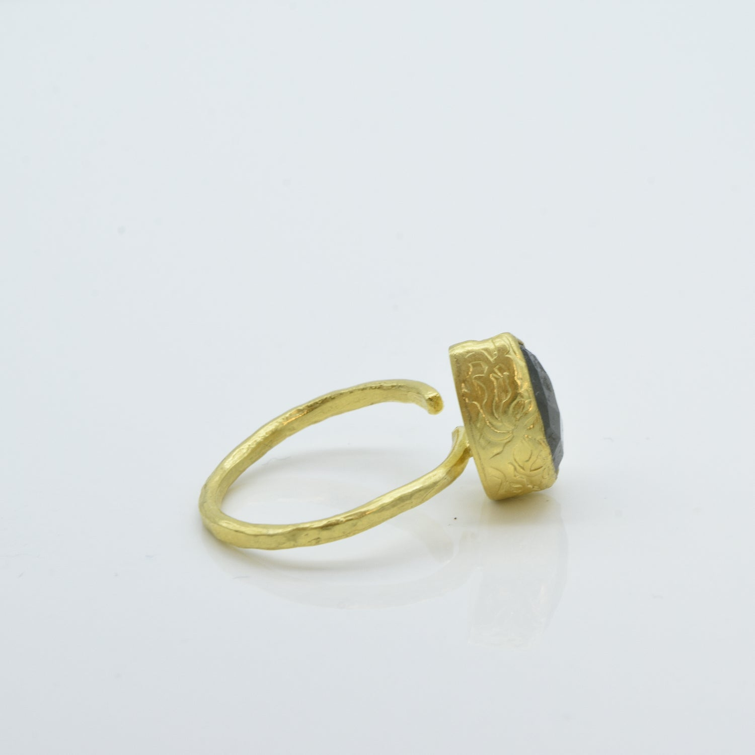 Aylas Labradorite adjustable ring - 21ct Gold plated brass - Handmade in Ottoman Style by Artisan