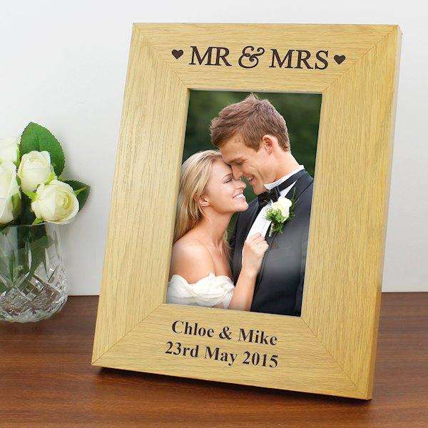 Personalised Oak Finish 4x6 Mr & Mrs Photo Frame from Pukkagifts.uk